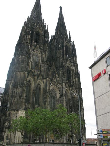 Kölns dominant feature... the Dom